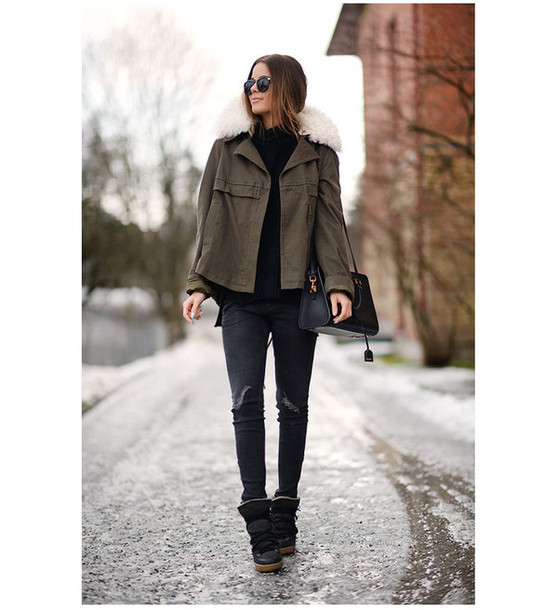 stylista blogger jacket khaki winter boots sweater jeans shoes bag sunglasses