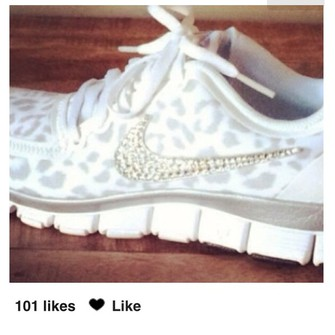 shoes nike #universe #cute #running #shoes grey, white, nike, cheetah