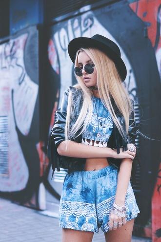 kristina dolinskaya blogger top shorts jewels sunglasses