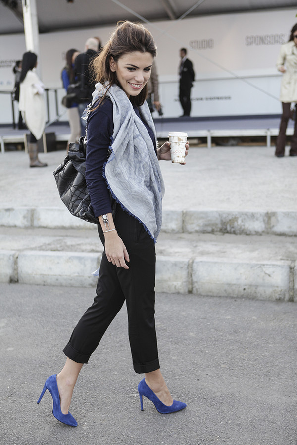 maritsa t-shirt jewels pants scarf bag shoes