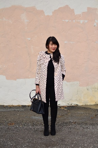 daily disguise blogger jacket sweater pants shoes fall outfits handbag boots coat
