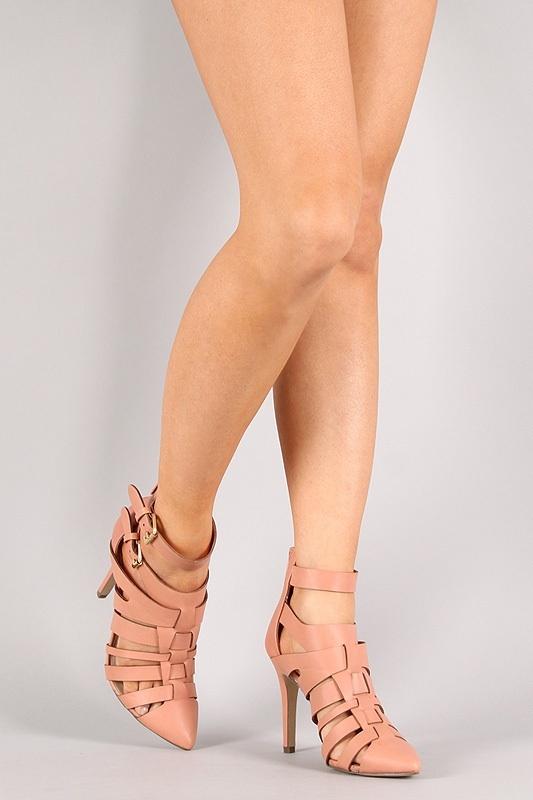 Buckle pointy toe pump — fashion junkie