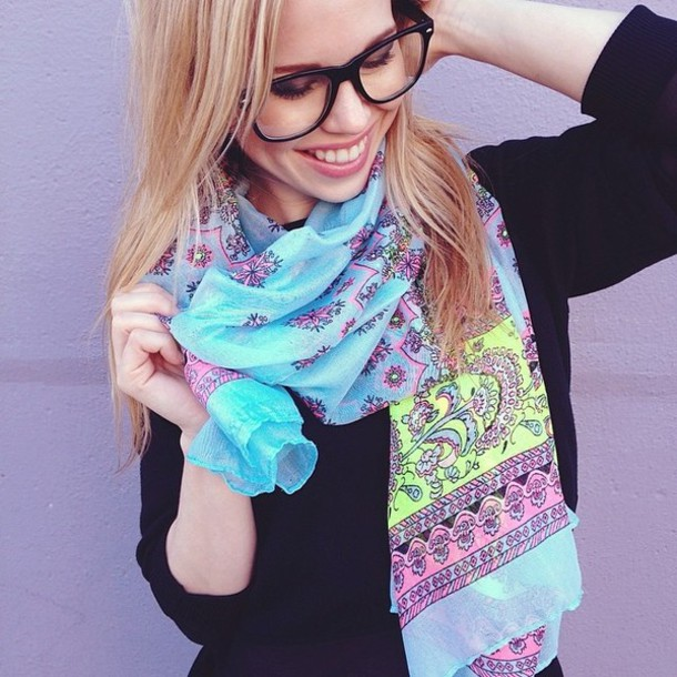 scarf spring outfits floral that's chic cute