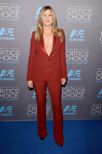 critics' choice movie awards jennifer aniston louboutin tailoring pants shoes