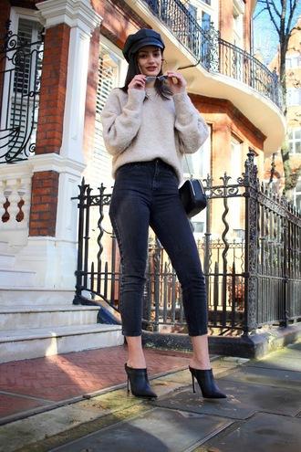 sweater nude sweater knit knitwear knitted sweater jeans black jeans skinny jeans shoes black shoes hat fisherman cap