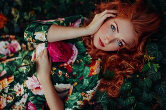 dress red head ginger floral three-quarter sleeves hepburn nature rose ruffle pleated skirt roses leaves
