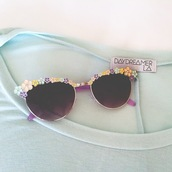 sunglasses,cute,purple,sunnies,daisy,vintage,shoes,floral,flowers,colorful,hipster