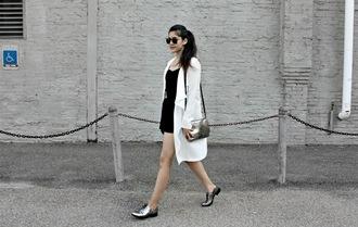 florencia r flo loves clothes blogger coat jewels romper belt bag sunglasses