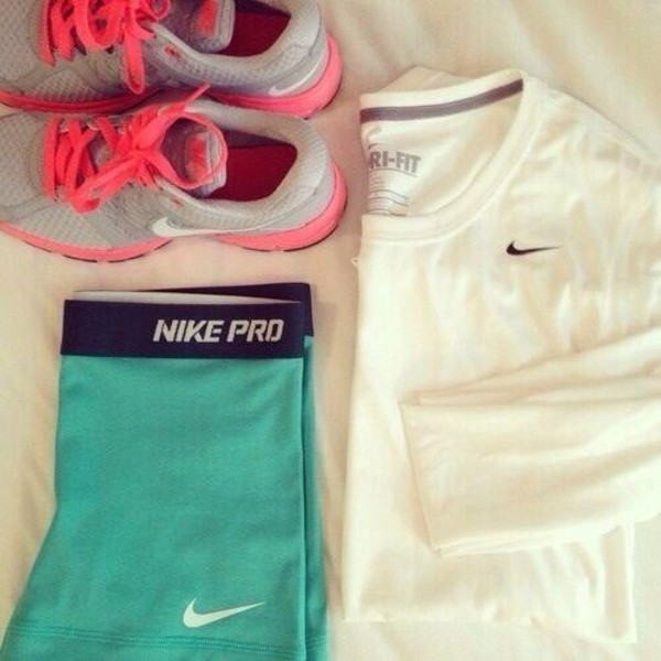 shirt white nikes