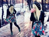 skirt,black bow,floral,blue skirt,floral skirt,bow belt,winter outfits