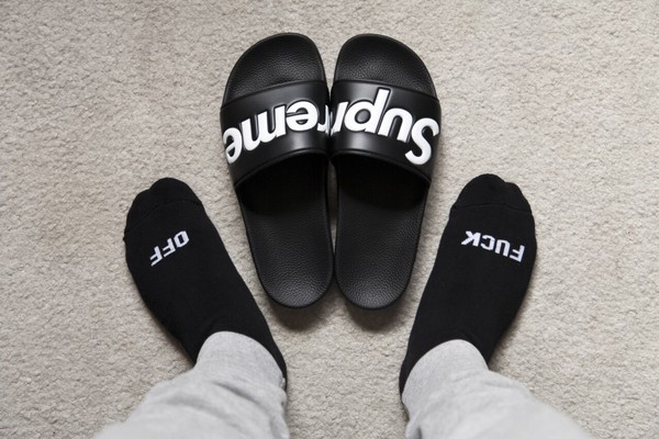 Shoes Black Supreme Bath Black And White Sandals