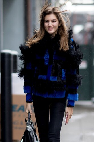 jacket tumblr nyfw 2017 fashion week 2017 fashion week streetstyle fur jacket faux fur jacket denim jeans black jeans bag black bag winter outfits winter look