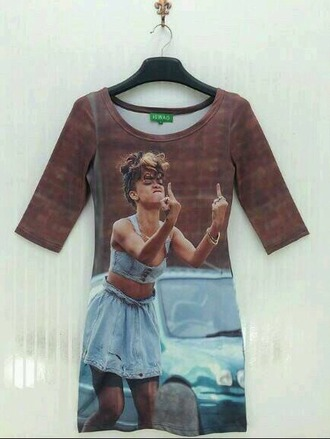 rihanna t-shirt dress