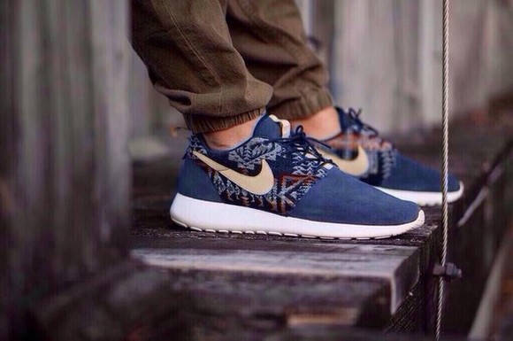 mens shoes sneakers nike roshe run nike navy
