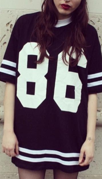 T-Shirt lâche motif 86 -Noir