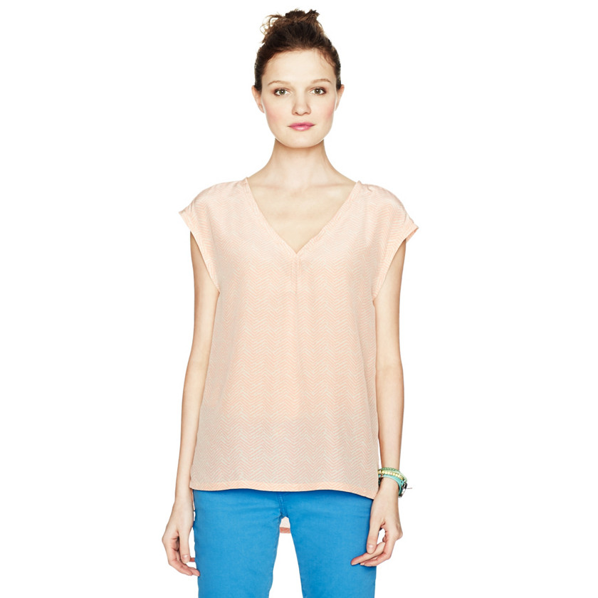 Fossil Lucy Silk V-Neck Tee WC1468 | FOSSIL®
