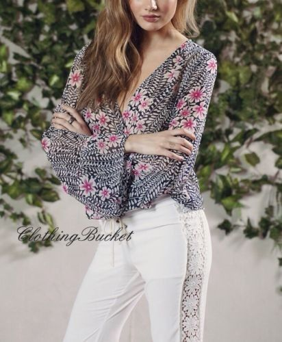 SMALL VINTAGE STYLE FLORAL/FLOWER PRINT PLUNGING NECK BOHO CHIFFON BLOUSE/SHIRT