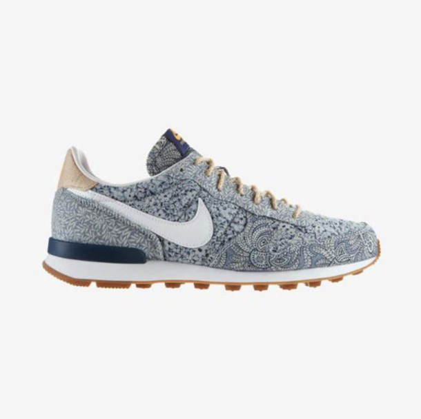 shoes nike cortez beautiful white blue casual chic sportswear outfit style paisley. Black Bedroom Furniture Sets. Home Design Ideas
