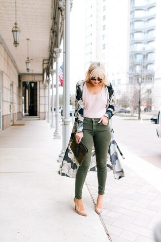 the courtney kerr blogger jeans bag shoes sunglasses jewels