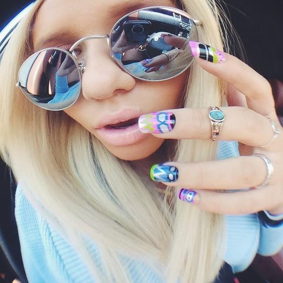 nail polish alli simpson mirrored sunglasses