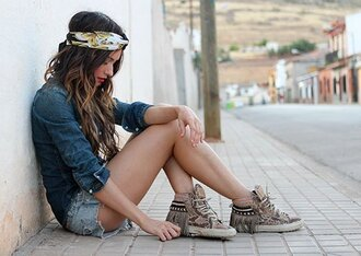 madame rosa blogger shorts levi's denim shorts distressed denim shorts