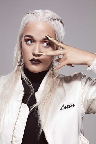nail accessories lottie tomlinson boxer braid silver hair jacket customized jacket customized white jacket dark lipstick lipstick eye makeup eye shadow gold nails nail polish