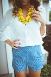 jewels,necklace,bold necklace,yellow,roses,gold,diamonds,white blouse,shorts,blue,polka dots,blouse