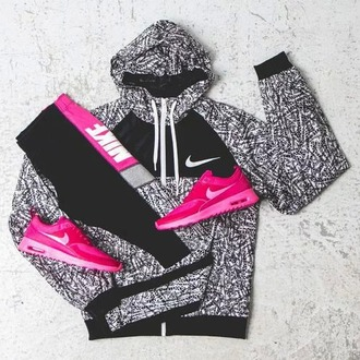 jacket nike jacket dope running shoes yoga pants shoes nike roshe run nike women's pink pretty cute running workout nike running shoes nike shoes exercise clothes sweater nike sportswear nike sweater black and white shirt leggings windbreaker