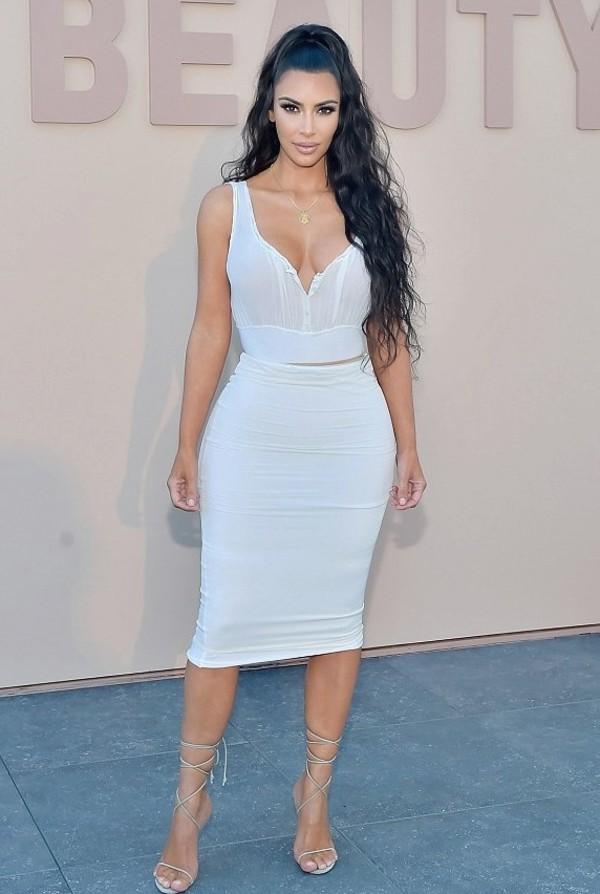 shoes dress kim kardashian summer dress white dress sandals sandal heels necklace pencil skirt cropped crop tops summer summer outfits