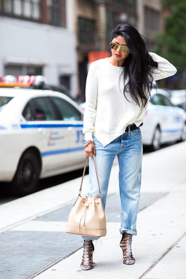 walk in wonderland top jeans bag jewels sunglasses