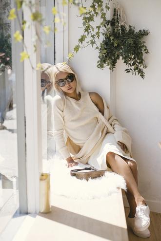the haute pursuit blogger sweater bag skirt sunglasses
