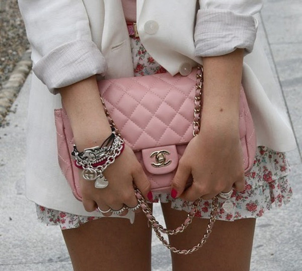 jewels clothes bag skirt jacket chanel pink purse bag chain cross body