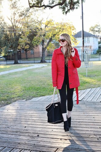 sugarlaws blogger leggings quilted red coat tote bag