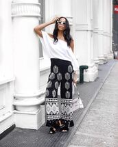 pants,black pants,wide-leg pants,shoes,top,white top,sunglasses,white sunglasses