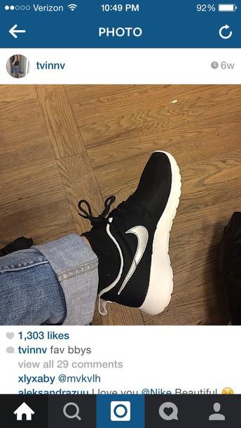 shoes black white nike roshes roshe runs