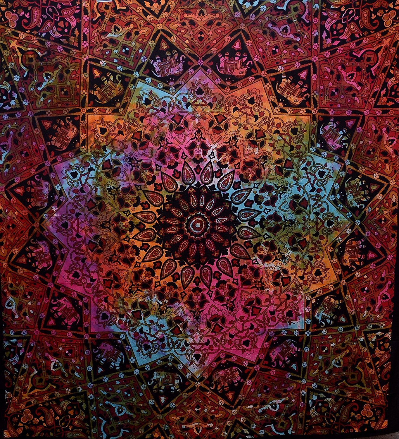 Amazoncom Indian hippie Bohemian psychedelic elephant Star mandala Wall hanging tapestry tie dye red