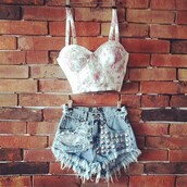 shorts,shorts with spikes,shorts high waisted ying yang tie dye,shorts denim,denim,denim shorts,denim lace shorts,jeans,jeans short highwaisted,coconut,studs,studs denim shorts,studded shorts,bustier,bustier top,diy,diy shorts,lace shorts,high waisted,bows,anchors