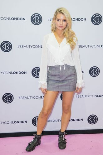skirt blouse lottie moss model off-duty fall outfits top ankle boots mini skirt