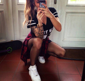 shoes,sneakers,nike air force 1,girl,sexy,tattoo,hair accessory,shirt
