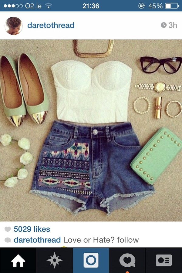 shorts blouse shoes jewels