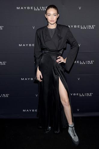 coat duster coat bodysuit gigi hadid all black everything model ny fashion week 2018 fashion week top