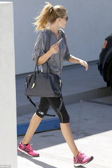 rosie huntington-whiteley sweatshirt sneakers sportswear