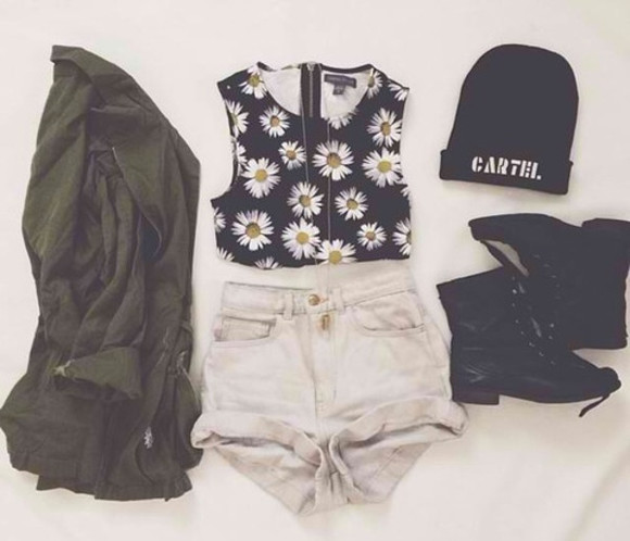 high waisted short army jacket combat boots tank top crop tops daysies beanie zipped top zipper