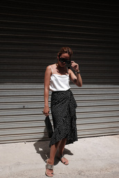 skirt,polka dots,midi skirt,snake print,top,sunglasses,bag,black,white,long,cute,fashion vibe,style,tumblr
