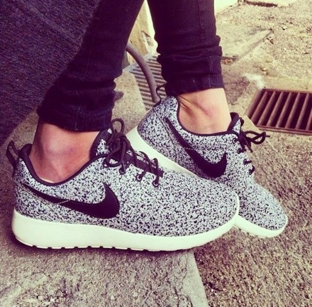 3c5d618c27cd8 low cost nike roshe run palm tree roshes tumblr 734c1 d3c3c
