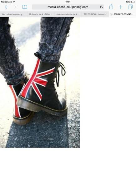union jack Dr Martens boots
