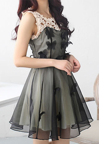 shopbazar shopping mall —  [grzxy6601627]Butterfly Applique Lace Embroidery Pleated Sheath Tank Dress