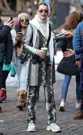 coat,animal print,snake print,bella hadid,streetstyle,model off-duty,turtleneck,pants,winter outfits