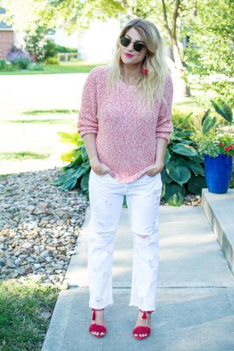 lestylorouge blogger sweater jeans shoes jewels sunglasses