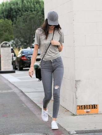 jeans grey kendall jenner kendall and kylie jenner grey jeans white sneakers all grey everything